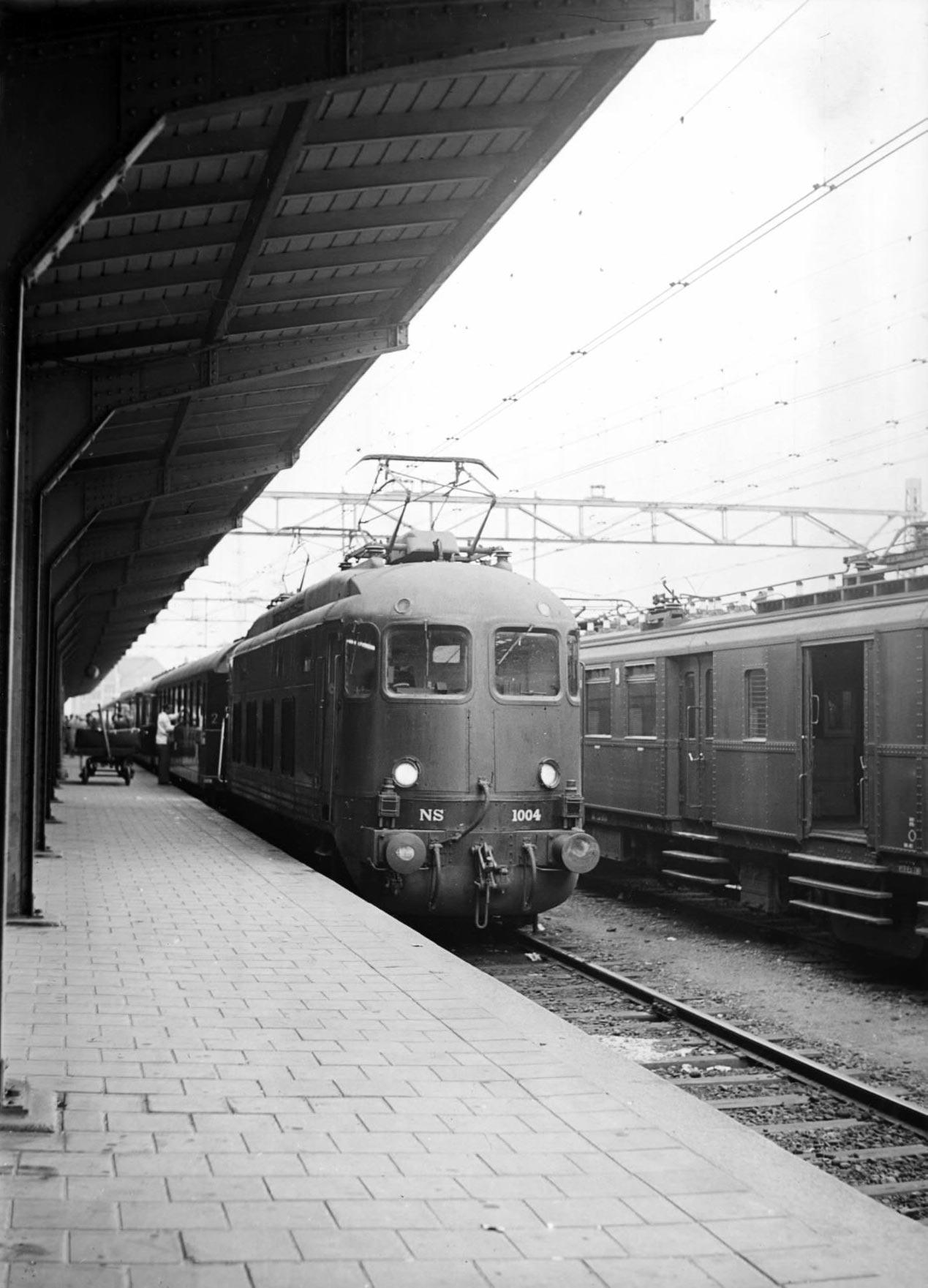 trein praag wenen